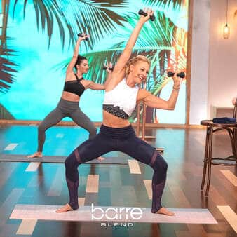 barre blend before and after results | This instructor has abs for days
